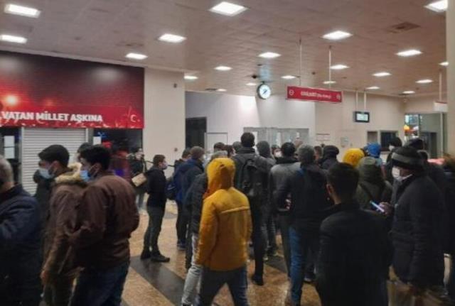 Yenikapı-Bayrampaşa arasında metro seferini durduran patlama